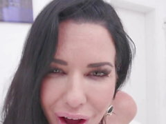 Veronica Avluv gets fresh piss & cum after rough DAP & DVP