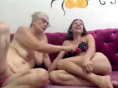 Old vs Young lesbians lick butthole