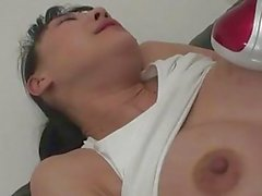 Miho Wakabayashi gets surprised in the gym