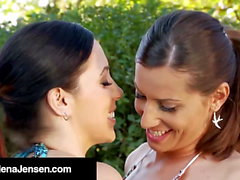Wet Hotties Jelena Jensen & Sensual Jane Make Out In Pool!
