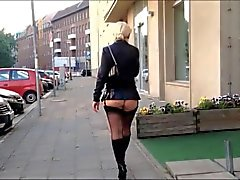 Hot Ass Of Blonde Milf Exibitionist