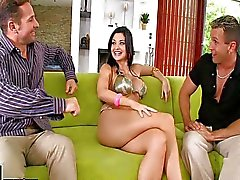 Aletta Ocean blir analized medan sucking cock