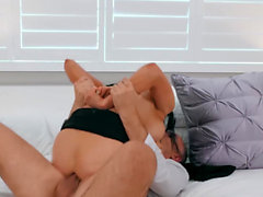 Real Wife Stories - Audrey Bitoni de Keiran en Lee