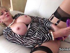 Adulterous british mature lady sonia shows off her monster b