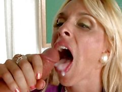 Hot momma Holly Halston takes an awesome pop of jizzload on her fresh mouth