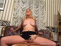 Busty Blonde Summer Lynn Receives Creampie - Busty Blonde