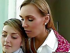 A Tanya Tate and Staci en Silverstone 3some