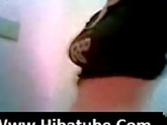 Arab hijab girl flashing -_(new)