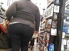 Fat Latina Booty in Tights (Candid)